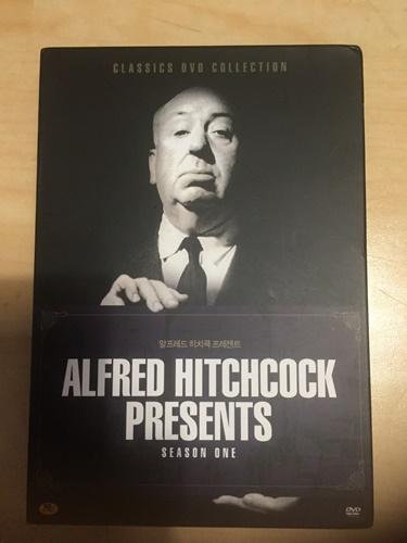 """""""알프레드 히치콕 프레젠트"""" 시즌 1 DVD를 구했습니다."""