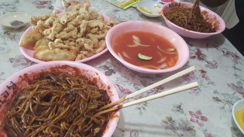 동생이랑 중국집음식 시켜먹은날
