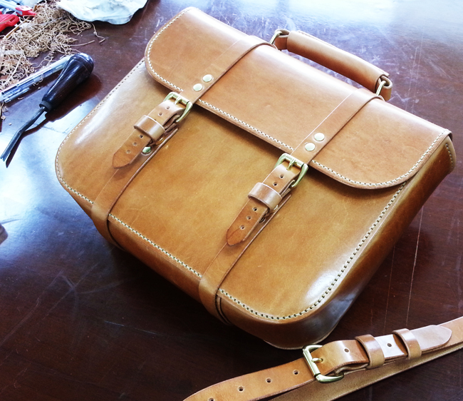 - Oil Pull-Up Satchel Bag (No.1)