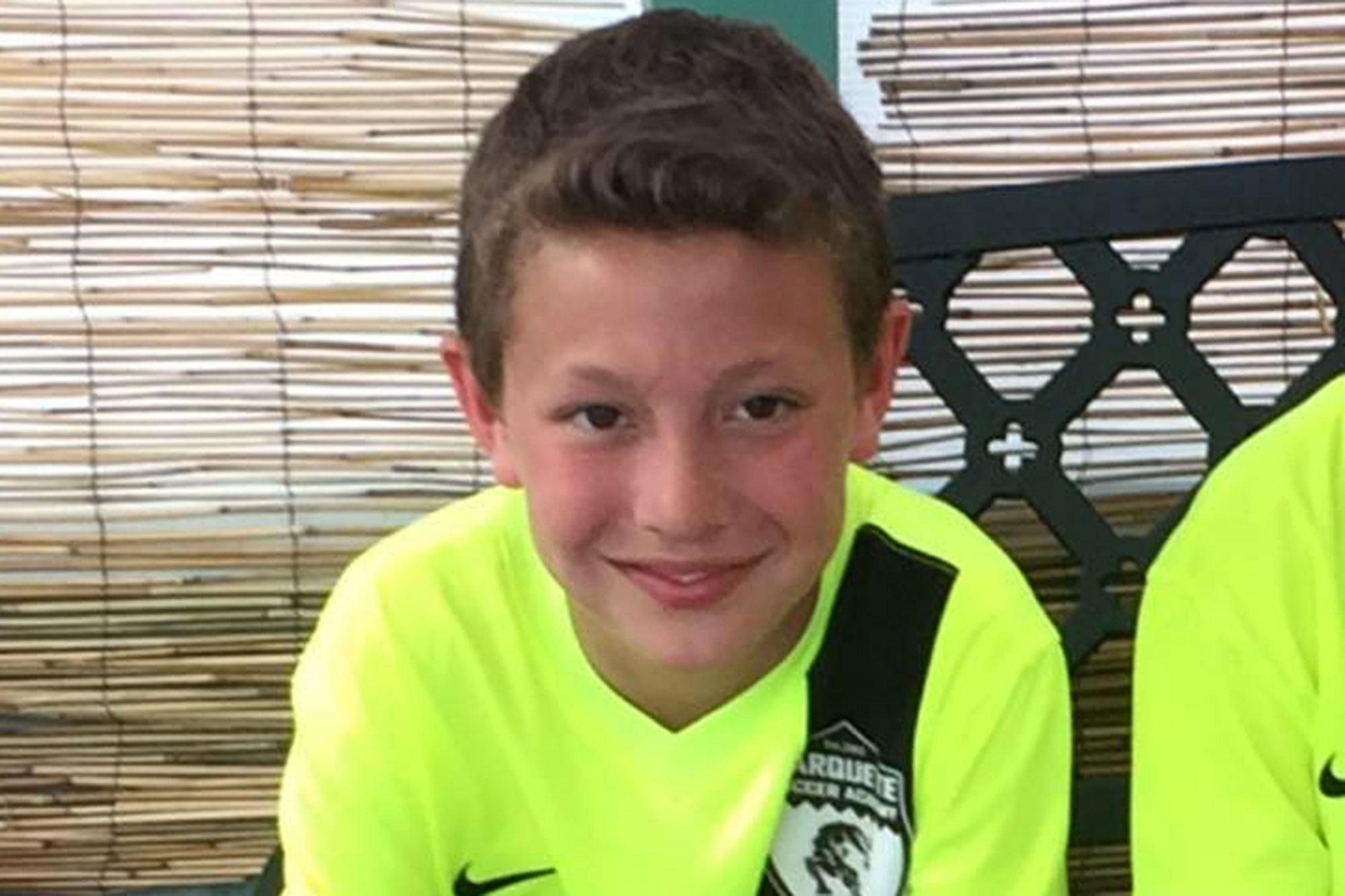 여자 친구의 자살극에 속아 자살한 11세 소년