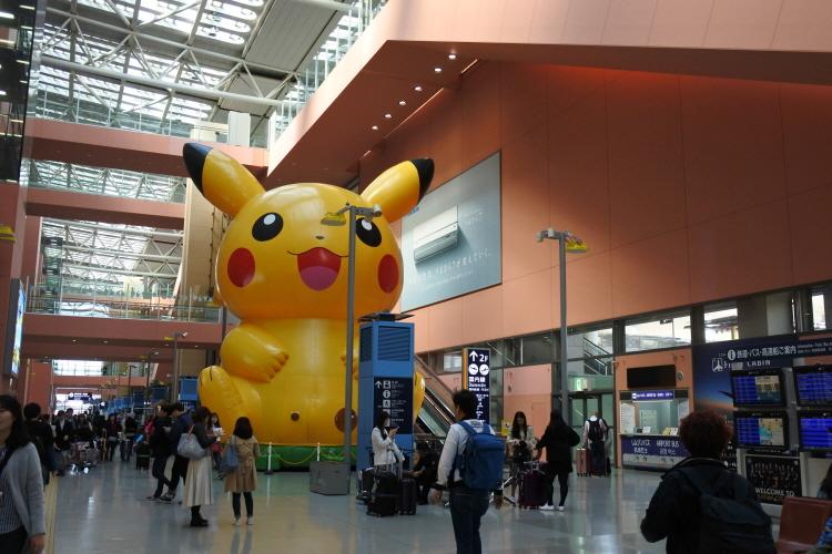 [일본여행] 오사카 간사이공항 포켓몬스토어(..