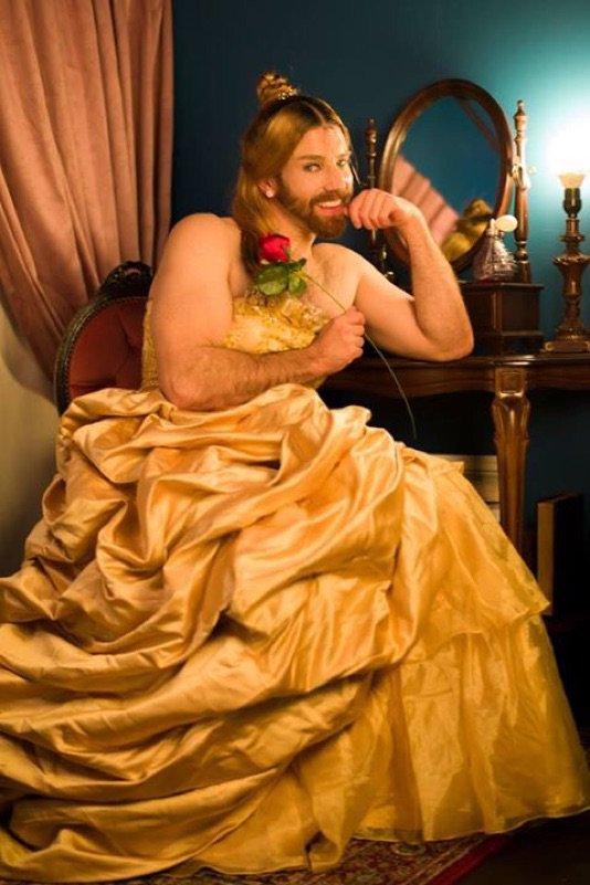 여장 코스프레이어로 유명한 'Ladybeard'의 미녀와..