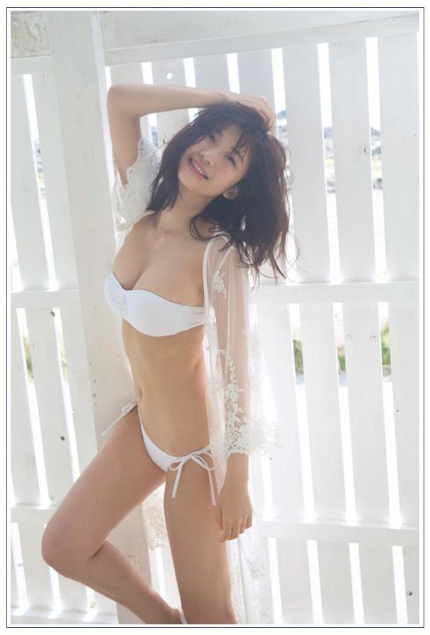 """'리얼 미네 후지코""""' 오구라 유카의 비키니 샷에 반향 .."""