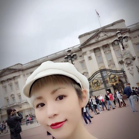 성우 히라노 아야, 영국 여행을 간 모양입니다.