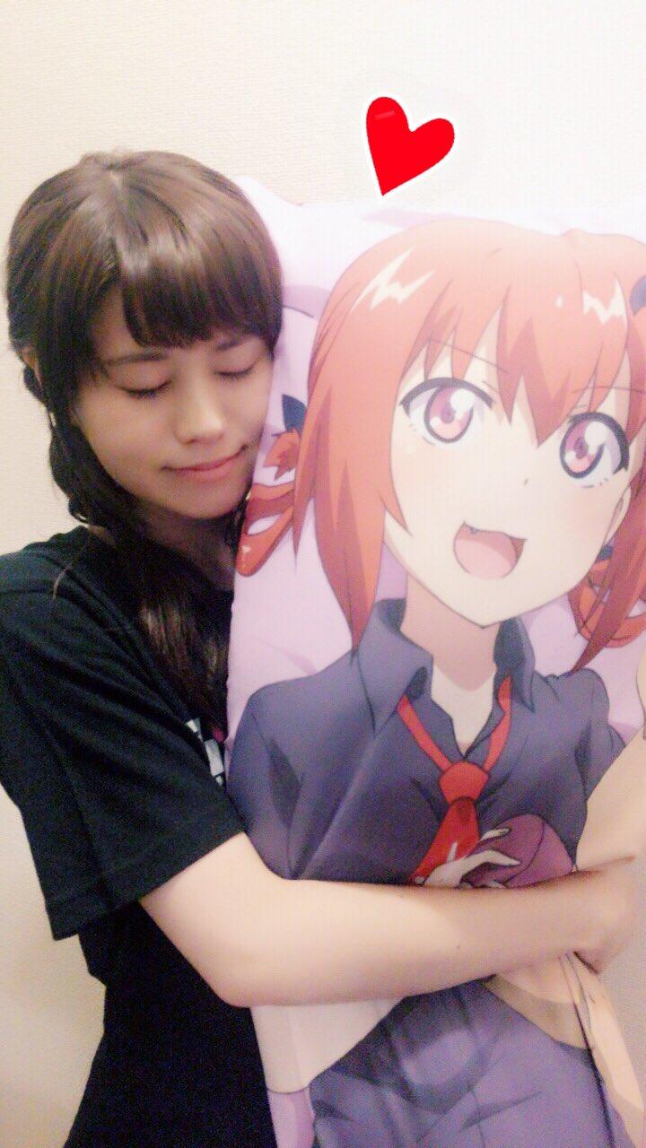 성우 오오조라 나오미의 사진, 사타냐의 생일 기념..