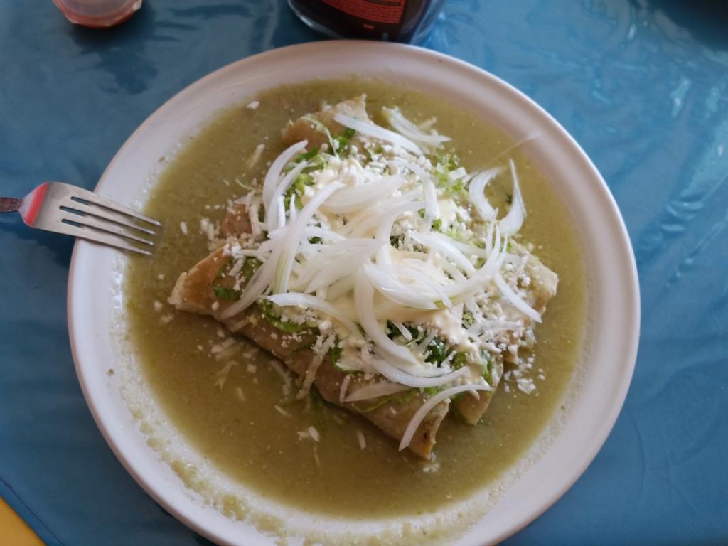 [멕시코] 엔칠라다 (Enchilada)먹기