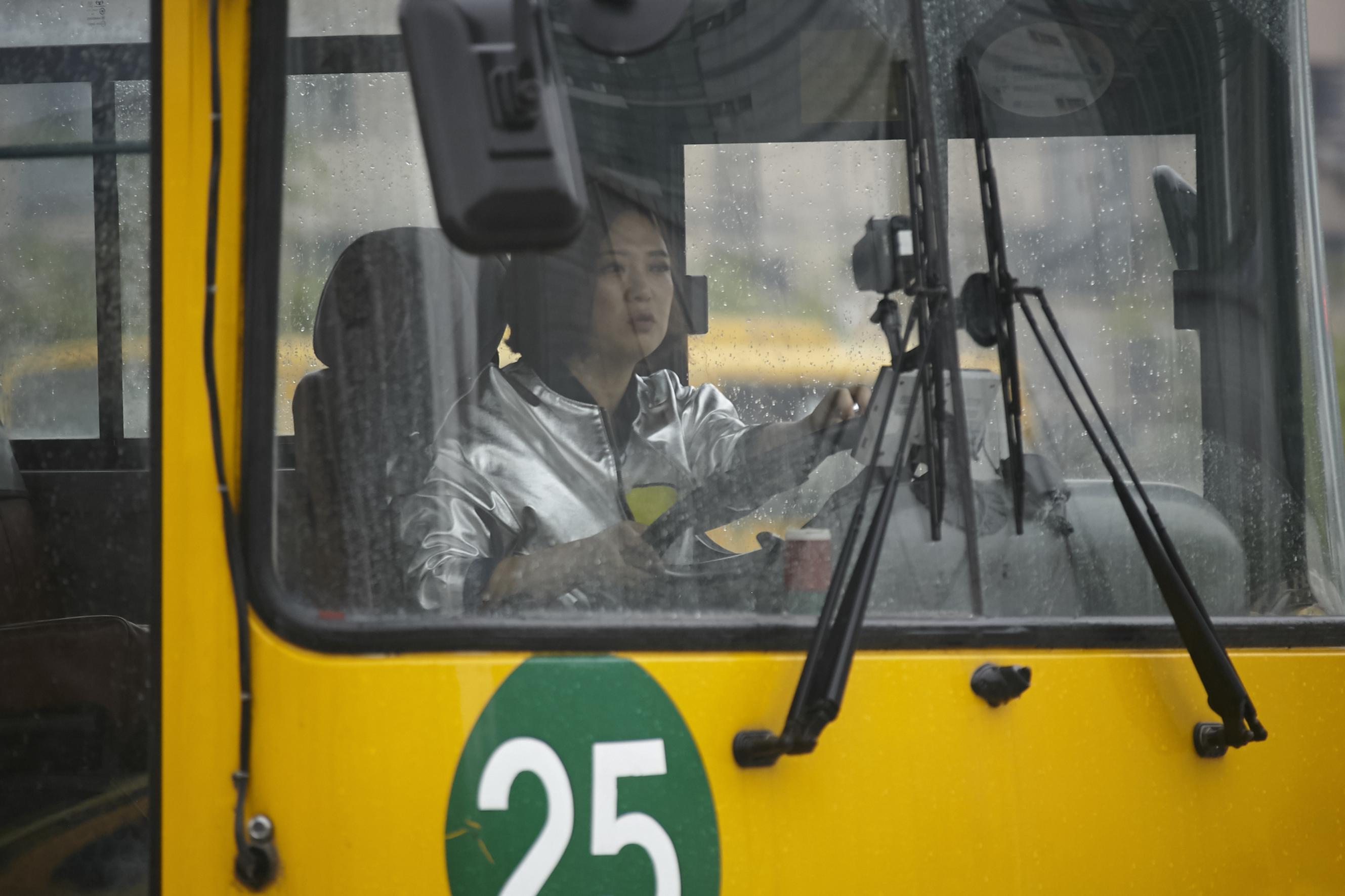 걸그룹 데뷔, 대형 버스 운전...꿈 이뤄주는 '언..