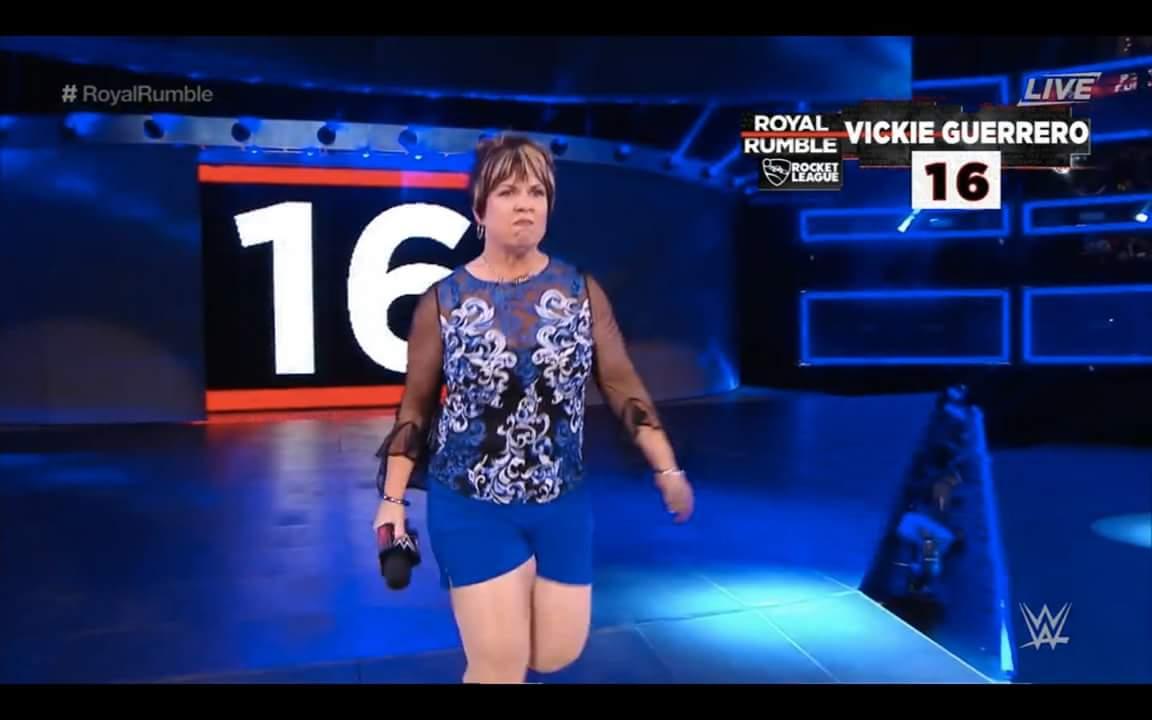 (스포일러) WWE 역사상 첫 여성부 로얄럼블 짤막..