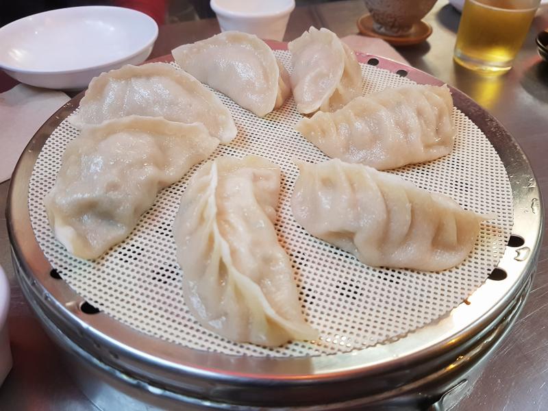 진만두 - 홍대의 접객이 아쉬운 가성비 좋은 만두집