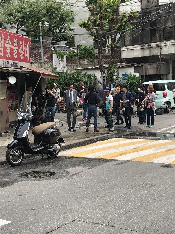 서울에서 촬영 중인 고독한 미식가.