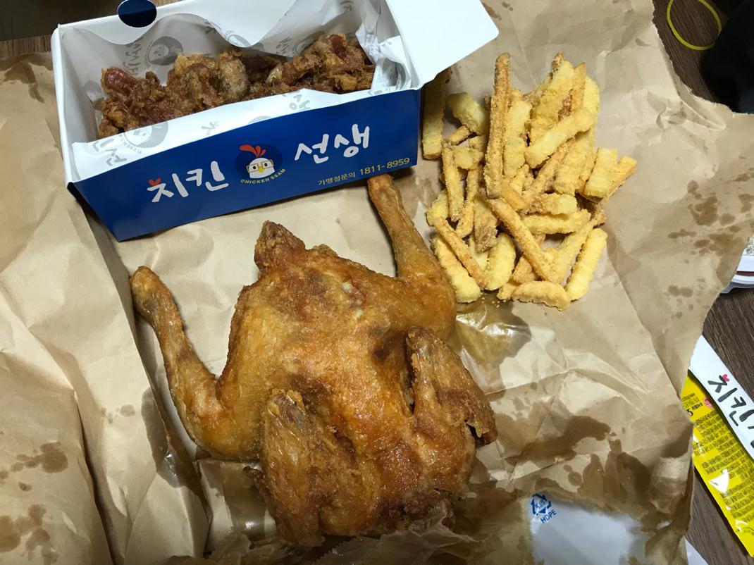 닭보단 닭똥집이 메인이네 [광명]치킨 선생