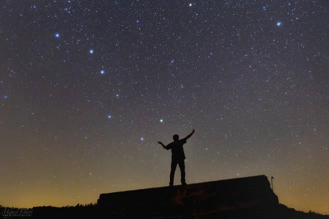 밤하늘 북두칠성과 북극성