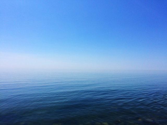 <꿈풀이 해몽> 잔잔하면서 푸른 바다를 보는 꿈,..