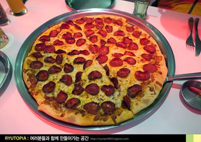 2018.12.24. (14) 대형 피자와 생맥주, 새벽까지 ..