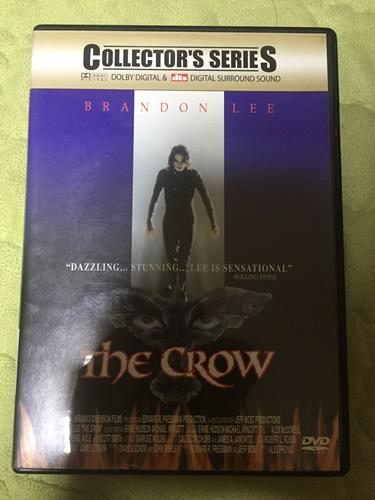 """""""크로우"""" DVD를 샀습니다."""