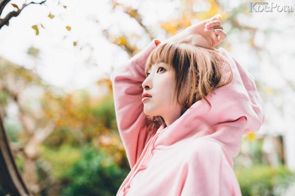 성우 난죠 요시노씨의 새로운 싱글 음반 재킷 사진 공개