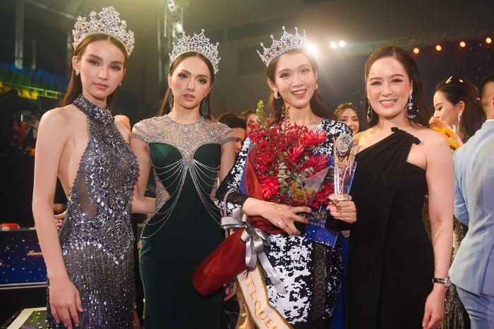 베트남 트랜스젠더 미인대회