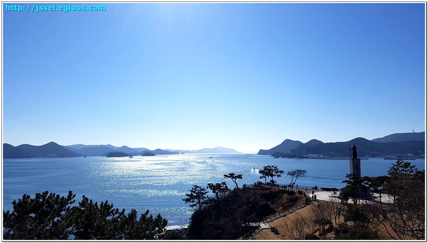 바닷길을 지키는 이순신 장군 - 통영 이순신공원