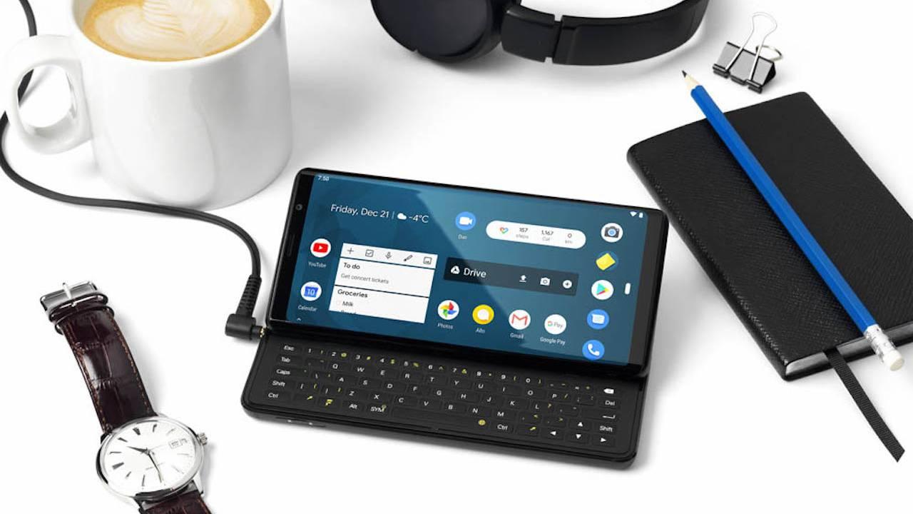 오랜만, 쿼티 키보드 스마트폰 F(x) pro1