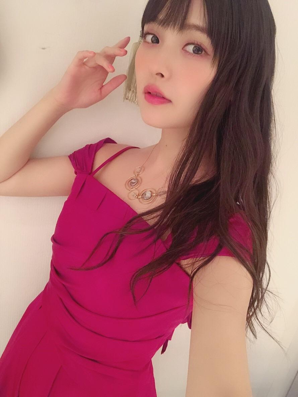 성우 우에사카 스미레가 자신의 라인 블로그에 올린 사진