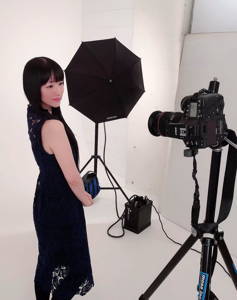 성우 다나카 리에, 소속사 홈페이지에 올릴 사진 촬..