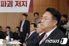 """자한당 세월호 """"징글징글, 징하다"""" 발언 후폭풍"""