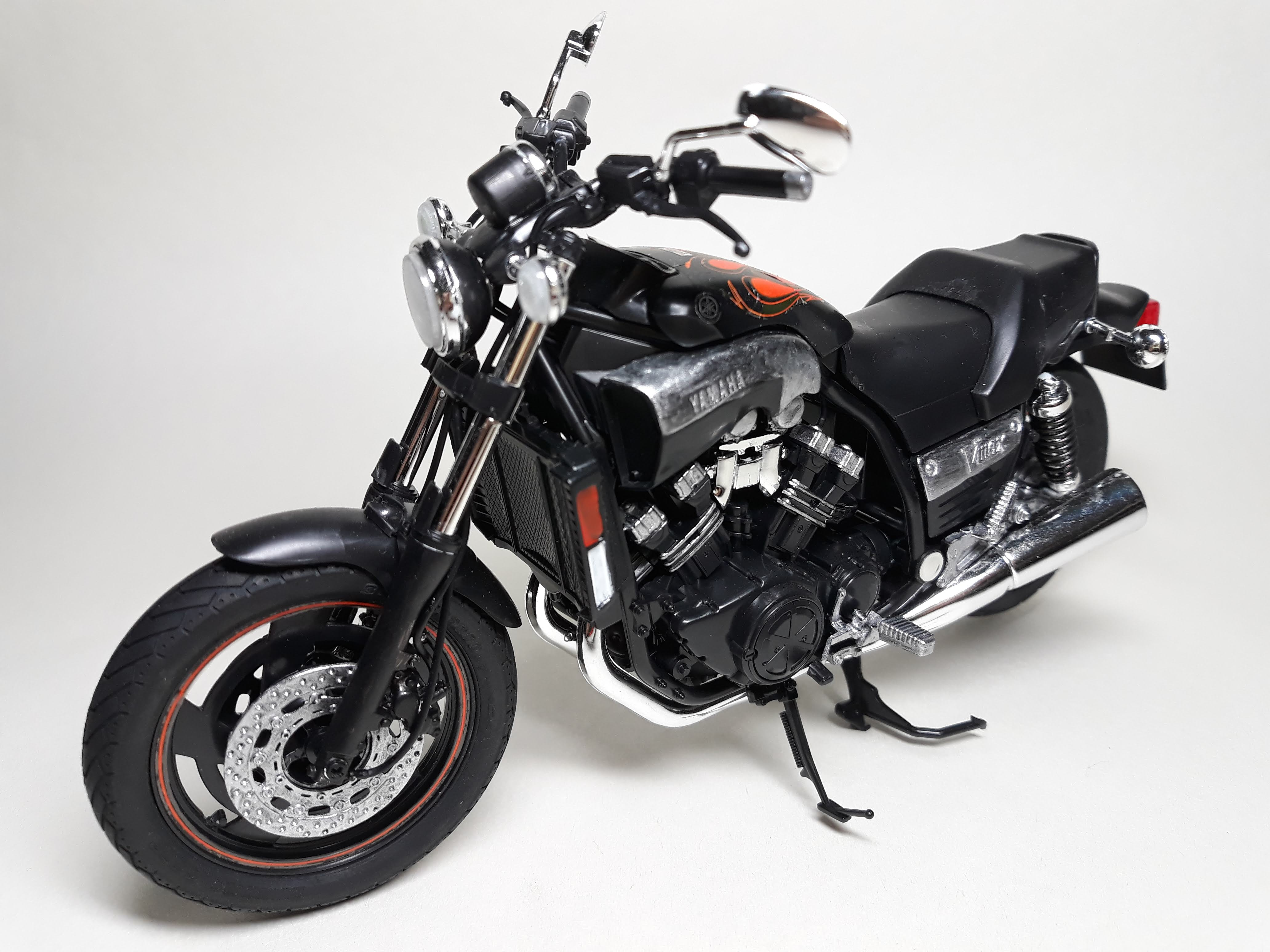 Yamaha Vmax'07 [Final Edition] 1/12th scale..
