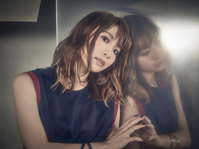 가수 May'n씨가 싱글 음반과 미니 앨범을 2019년 7월 ..
